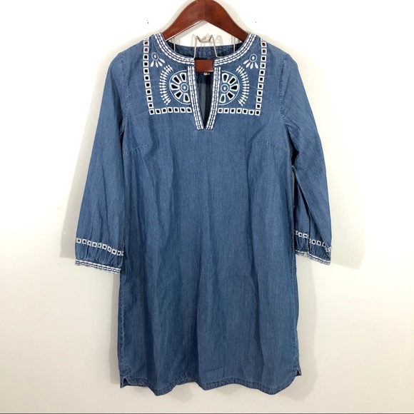 LOFT Dresses & Skirts - Loft Chambray Embroidered Long Sleeve Shift Dress